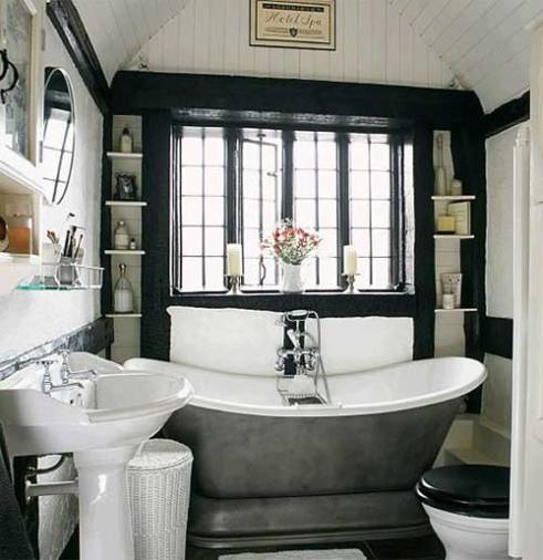 42108__Black-and-white-interior-design-of-traditional-bathroom